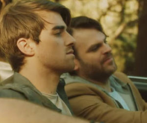 Don't Let Me Down – The Chainsmokers ft. Daya