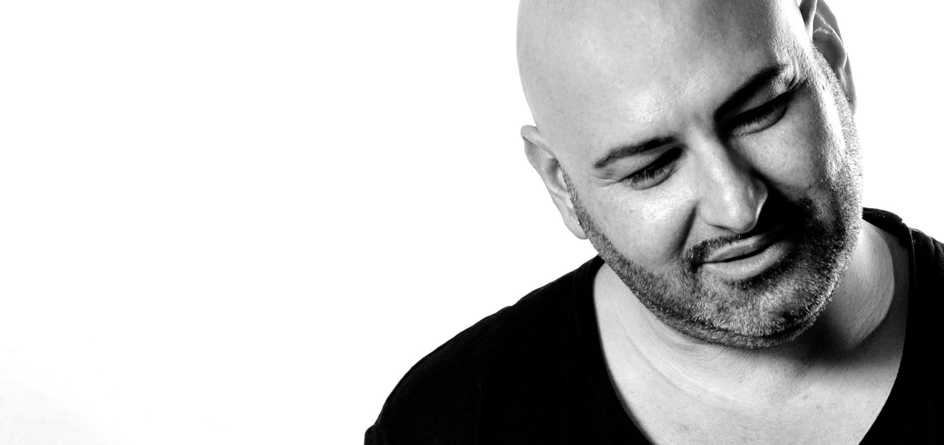 Federico scavo il suo nuovo singolo que pasa for Planimetrie domestiche di livello singolo