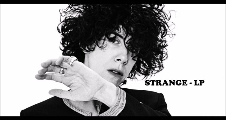 Ritorna LP con un nuovo singolo Strange