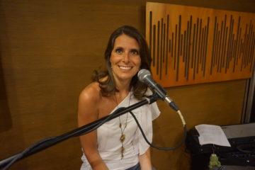 MedLIVE: MUSICA LIVE ALLA RADIO con Carla Restivo